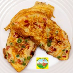 Omelete de Calabresa, Cebola e Temperos