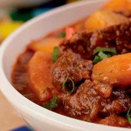 Carne Cozida com Mandioca