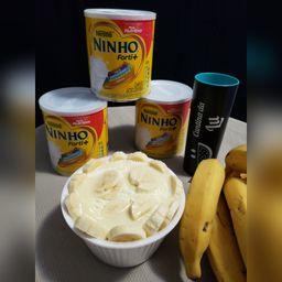 Açaí com Ninho, Banana, e Leite Condensado