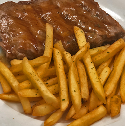Costelinha ao Barbecue com Fritas