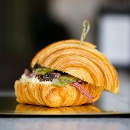 Croissant Pastrami