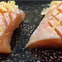 sushi barriga de salmão