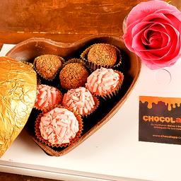 Coração de Chocolate com Brigadeiros Gourmet 400g + Uma Rosa