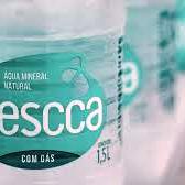 Agua mineral com gas