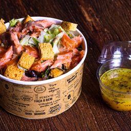 Salada caesar de salmão