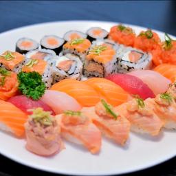 Sushi Kikoni - 30 Unidades e 12 Hot Roll