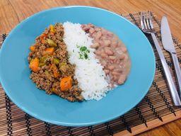 Carne Moída com Legumes, Arroz e Feijão