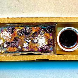 Clafoutis de Mirtilo com Queijo Canastra
