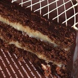 Bolo de chocolate com coco - 1,3kg