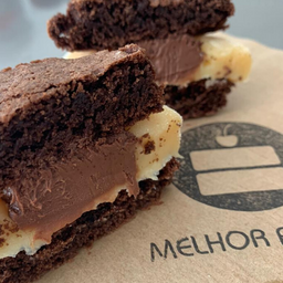 Sanduíche de Brownie - Ninho com Nutella