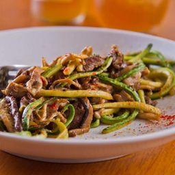Spaghetti de Abobrinha e Mignon