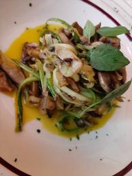 Espaguete Abobrinha ao Mix de Cogumelos  Veg