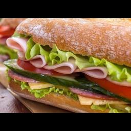 Sanduíche com Presunto Royalle e Mozarela