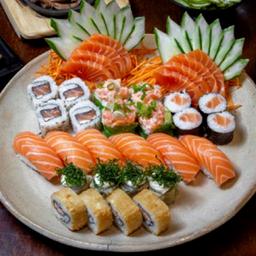 Sushi e Sashimi Salmão  + Coca Lata 350ml - 2 Pessoas