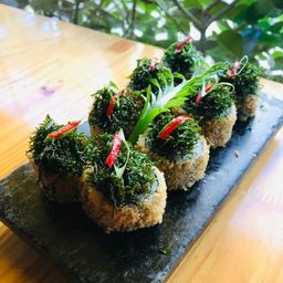 Hot Roll de Aspargos e Shimeji