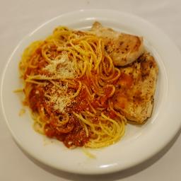 Filet frango com Espaguete ao Sugo