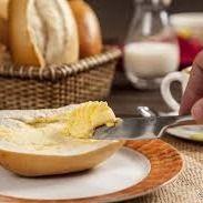 Pão Integral com Manteiga