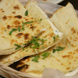 Pão Indiano - Paneer Kulcha