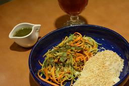 Espaguete de Legumes ao Pesto