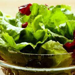 Salada de Folhas Verdes e Tomate