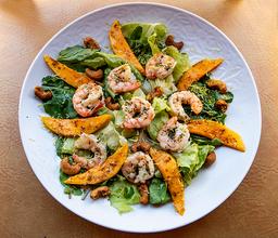 Salada com camarões grelhados