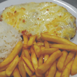 Berinjela à Parmegiana + arroz e fritas