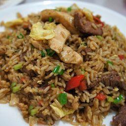 Arroz Chaufa Familiar (de carne bovina e frango)