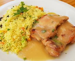 Congelado - sobrecoxa de frango e cuscuz
