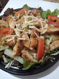 Salada com Filé de Frango