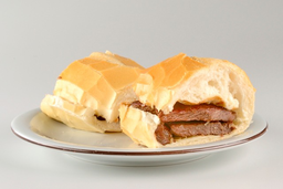 Sanduíche de Filé Mignon Simples