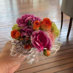 Mini buquê flores da estação