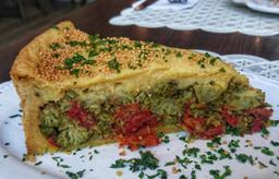 Fatia de Torta Veg de Brócolis com Tomate