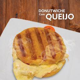 Donutwiche com Queijo