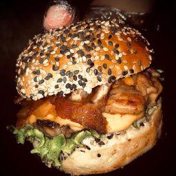 06 Fast Burg Bacon Cheddar