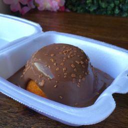 Bolo Vulcão de Cenoura com Calda de Chocolate 100 Gramas
