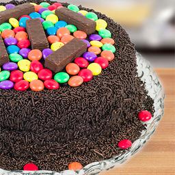 Bolo de Chocolate com Confete e Bis Festa - Pequeno