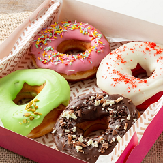 4 donuts recheados + 1 bebida