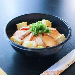Donburi salmão flambado(炙りサーモン丼)