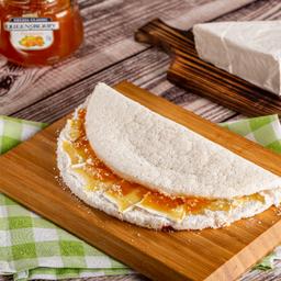 Queijo Brie com Geleia de Damasco