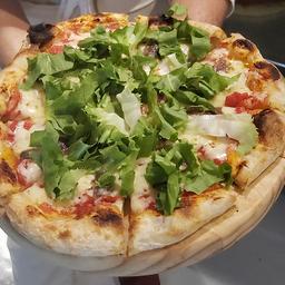Pizza de Aliche Italiano e Escarola Fresca - Média