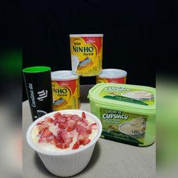 Cupuaçu com Ninho, Morango e Leite Condensado