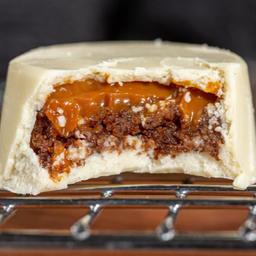 Bombom de Pão de Mel de Chocolate Branco com Doce de Leite