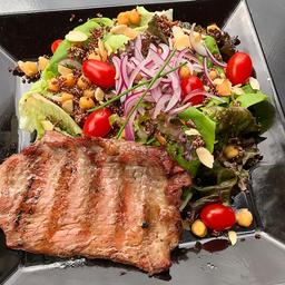 Steak com Salada Mediterrânea