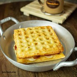 Lanche waffle Romeu Julieta canastra