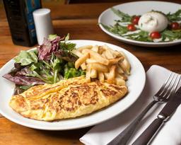 Omelete Con Provolone Dolce e Pomodoro