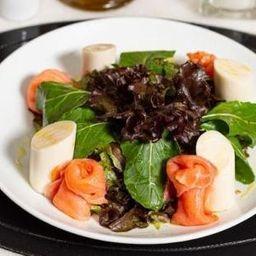 Salada Rosas e Salmão