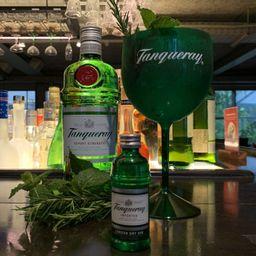 Gin tônica, grátis taça tanqueray