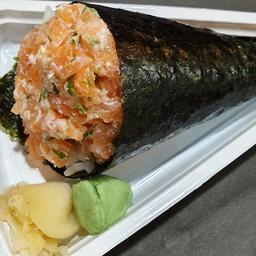 Temaki de salmão batido com cebolinha e cream cheese