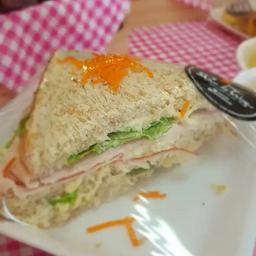 Sanduíche Natural com Peito Perú