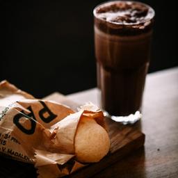 Pão de Queijo + Chocolate Frio